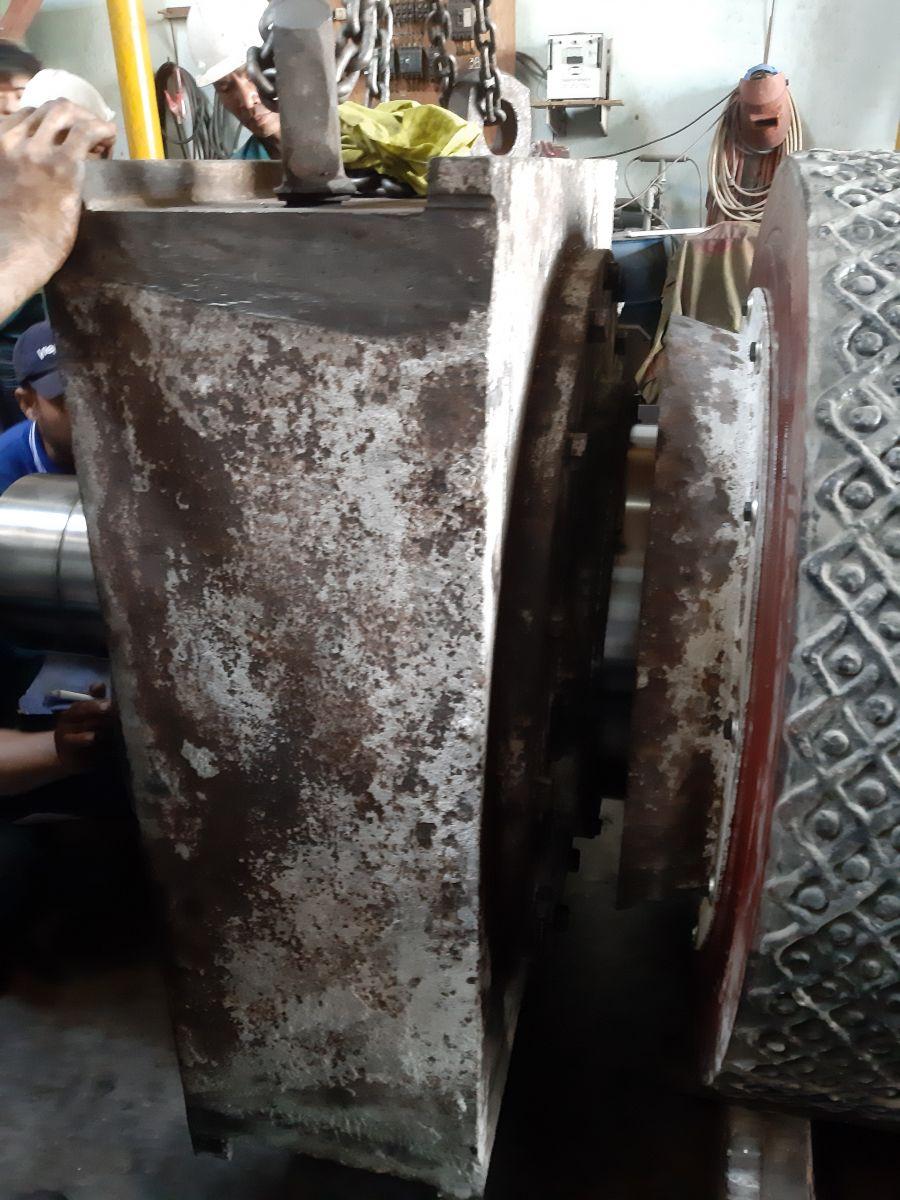 Thay bạc đạn trục máy nghiền - cty Xi măng Holcim